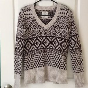 Abercrombie and Fitch Patterned V Neck Sweater